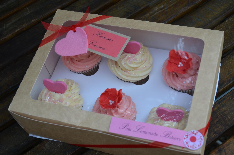 box set 4 a box of 6 muffin size vanilla cupcakes - Cupcake Valentine Box